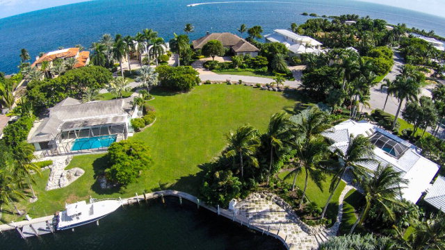37 Angelfish Cay Drive
